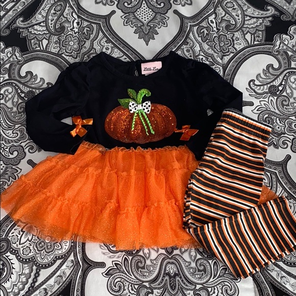 Little Lass Halloween 🎃 Outfit